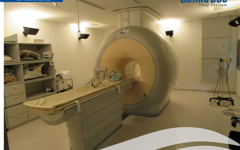 CẤY ỐC TAI ĐIỆN TỬ CÓ CHỤP ĐƯỢC MRI 1.5T HAY 3T KHÔNG?